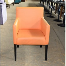 Кресло б/у кожзам оранжевое