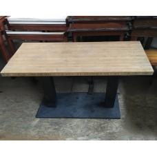 Столы б/у бамбук на двух черных ногах